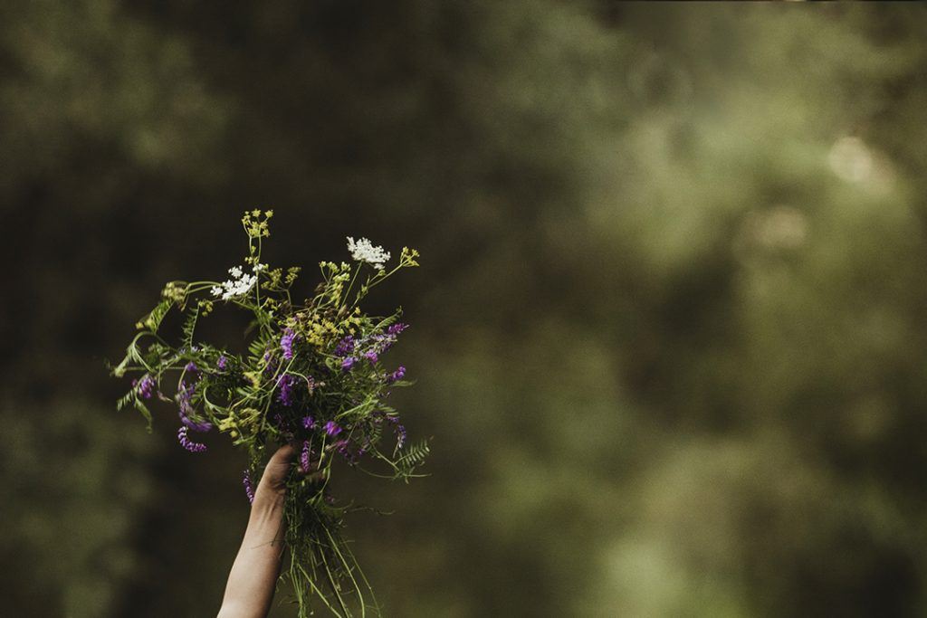virágcsokor, családfotózás